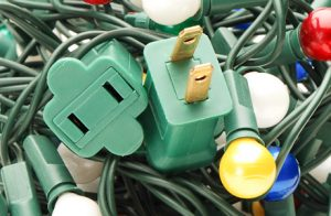 Holiday_Safety_Preventing_Hazards_from_Christmas_Lights_and_7124547_460  Holiday Decorating tips Holiday Safety Preventing Hazards from Christmas Lights and 7124547 460
