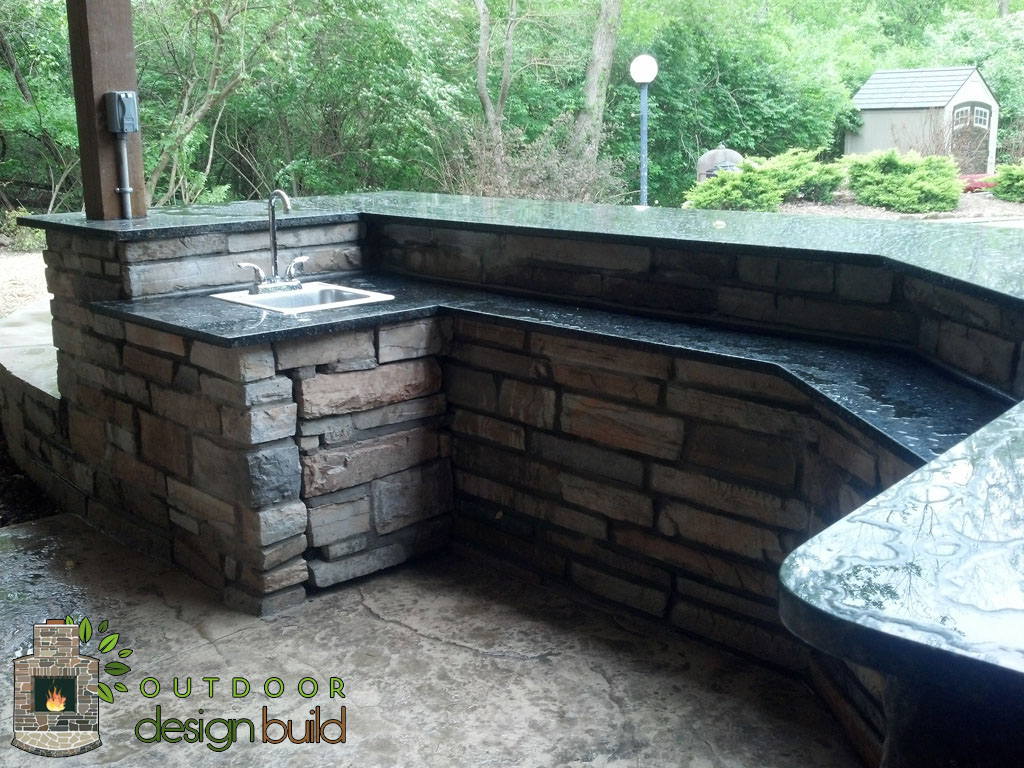 custom outdoor bar