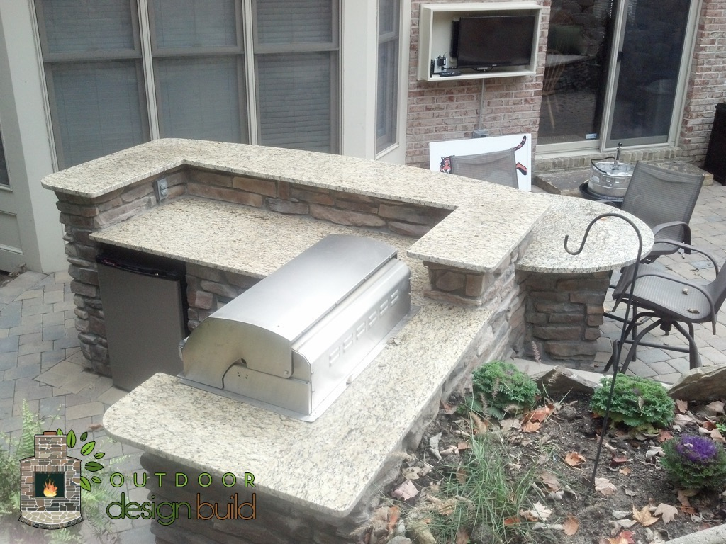 Outdoor Kitchen/Grill Station
